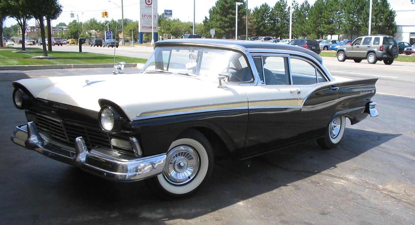 vendido ese año en EEUU no fue el Chevy, sino el Ford Fairline 500